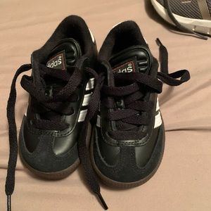 Blacks adidas samba size 8c